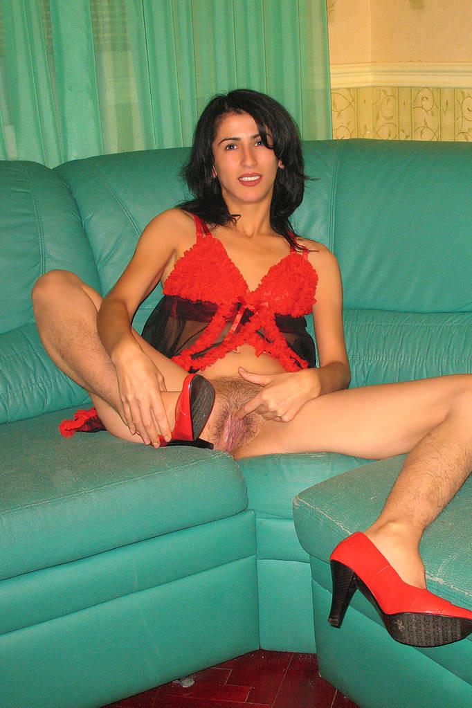 Проститутки с волосатыми ногами москвы