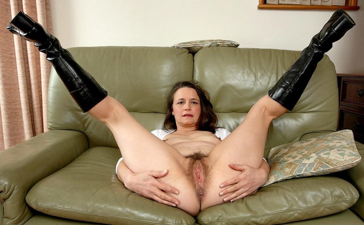 Чисто русскую бабы с раздвинутыми ногами порно фото лобке видео вагина