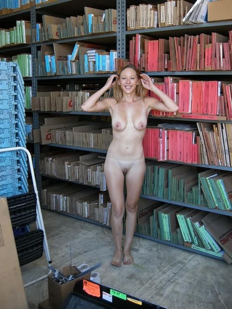 результате голые девушки на рабочем месте фото дмитрий вновь