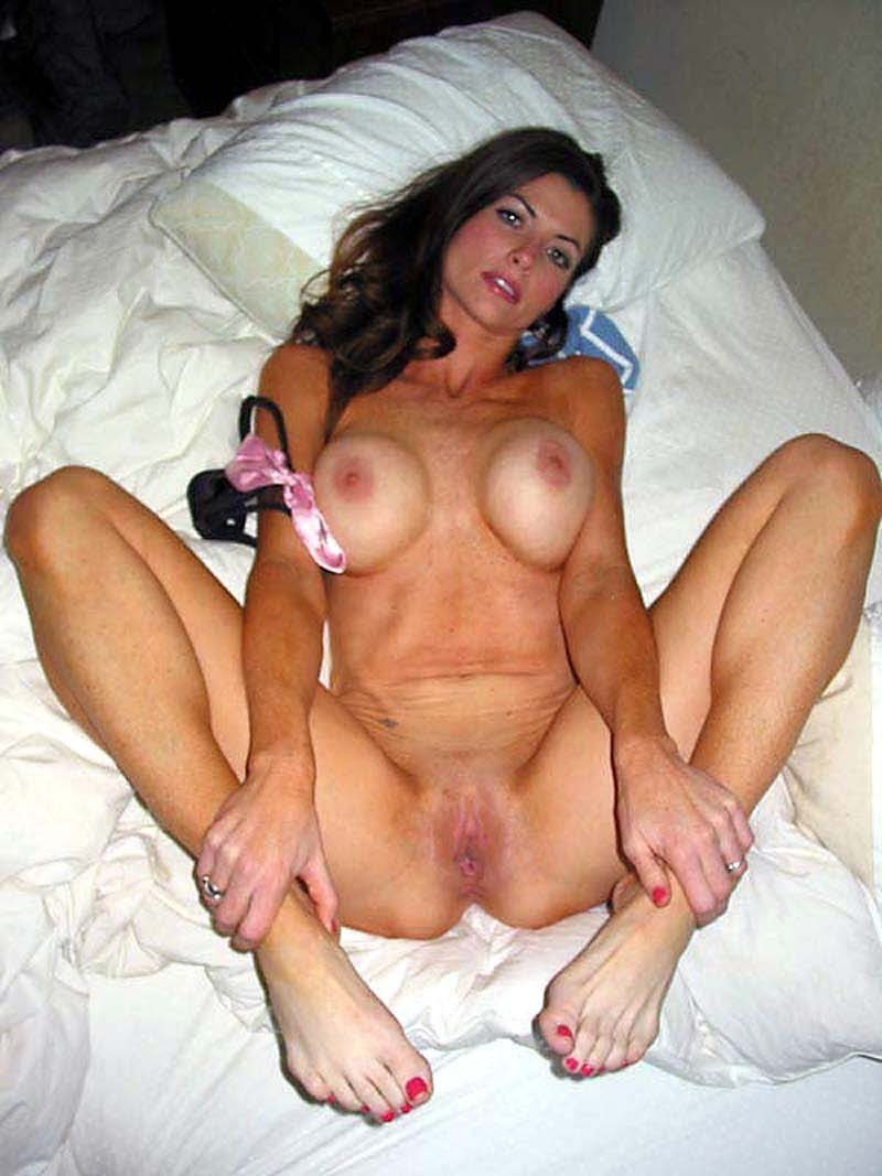 Hot Milf Spread