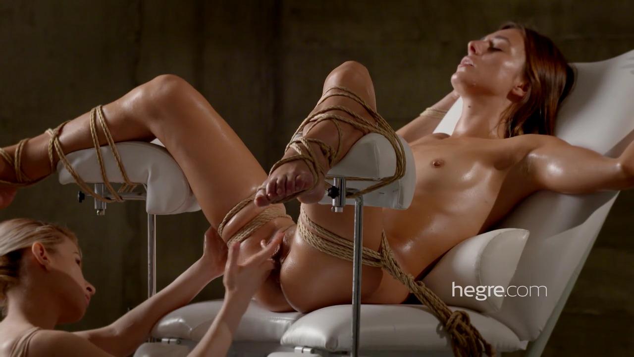 Dominika C стонет от мастурбации как сучка