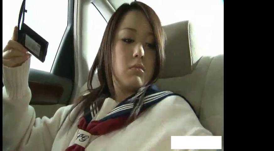 Привез молодую японку домой где поигрался с ее волосатой киской
