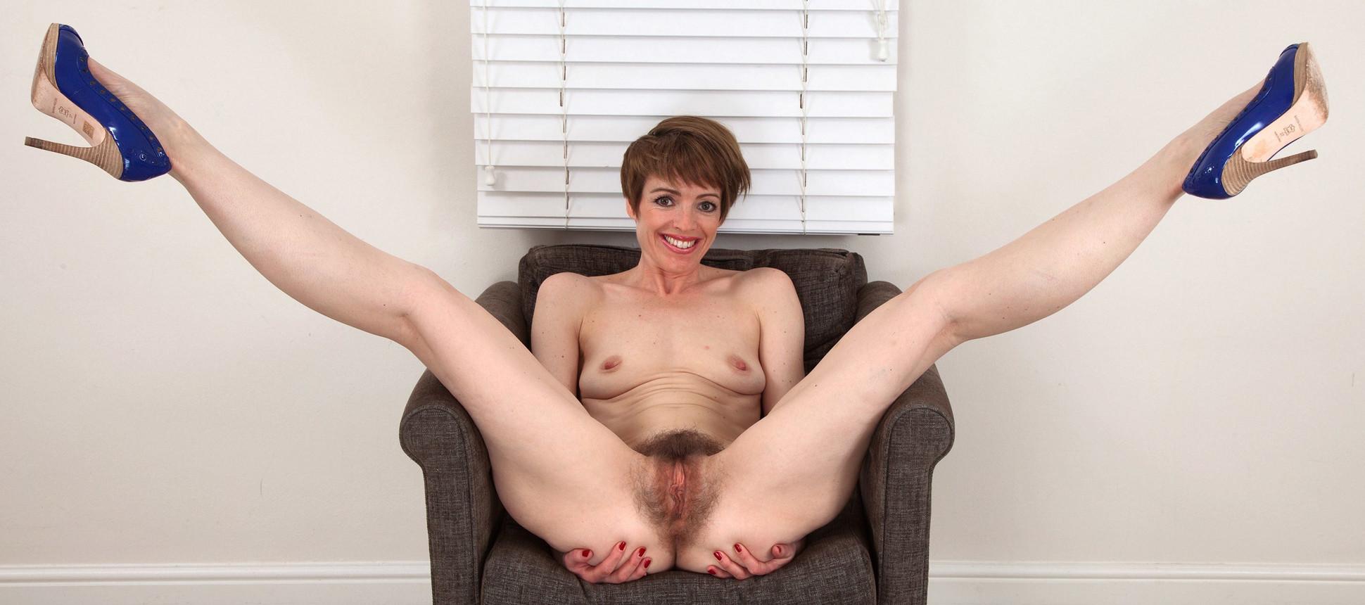 Hot nude women spreading wide gifs — 4