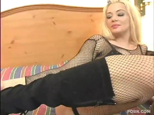 Проститутка согласилась сняться в порно