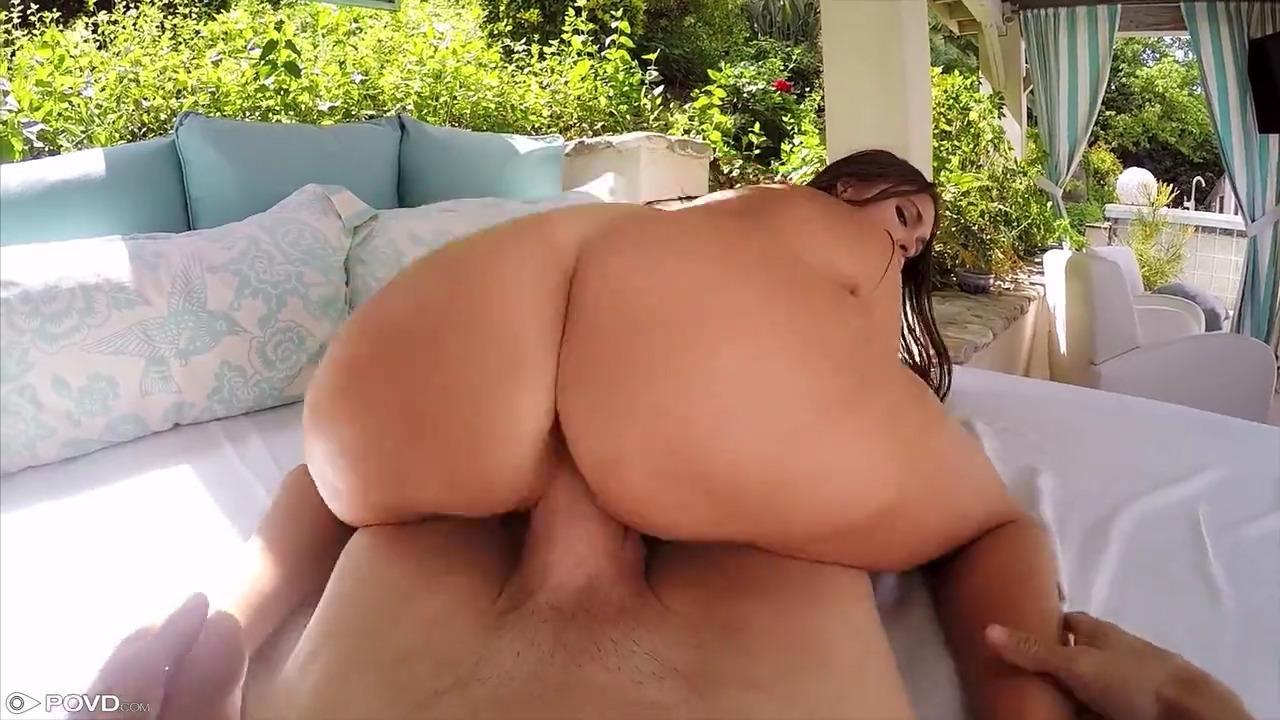 Секс от первого лица с миниатюрной Riley Reid