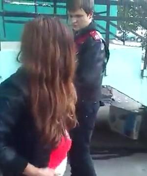 Русские шлюшки оттрахали парня, порно зрелые популярное