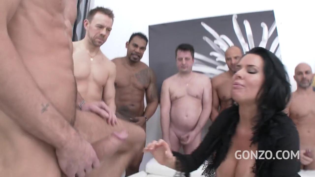 Десять мужчин и одна Veronica Avluv