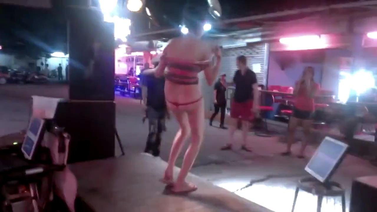 Пьяная русская туристка в Таиланде