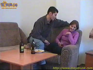 gde-trahayutsya-seks-priveli-telku-domoy-napoili-i-poimeli-popi-porno-video