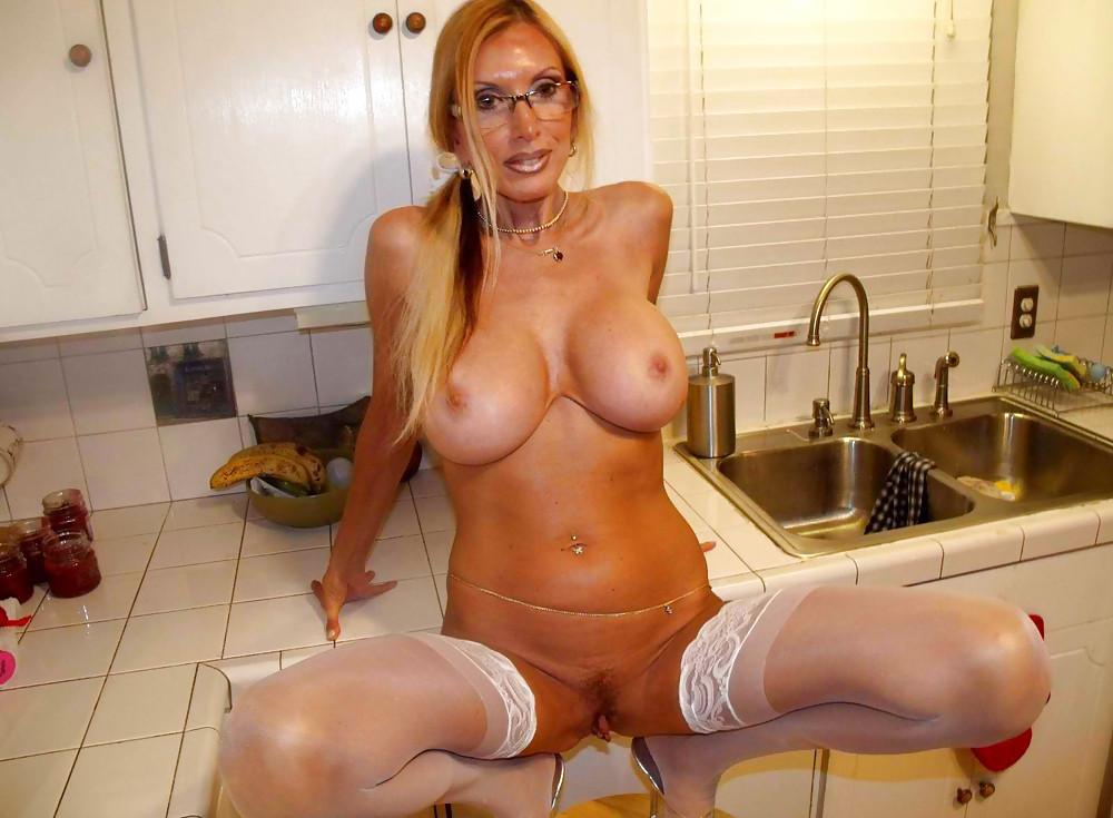 sexy-mature-boobs-photos-priyanka-chopara-xxx-pics