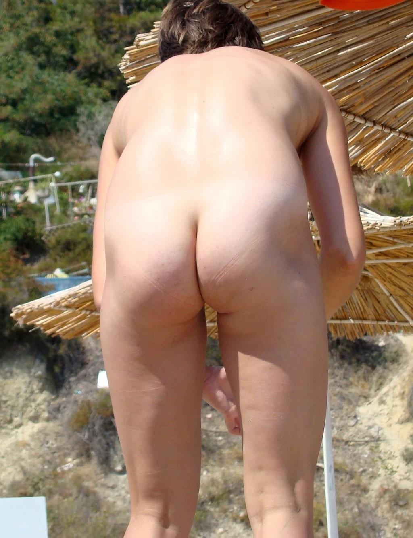 Нудизм на пляже - фото сет 9