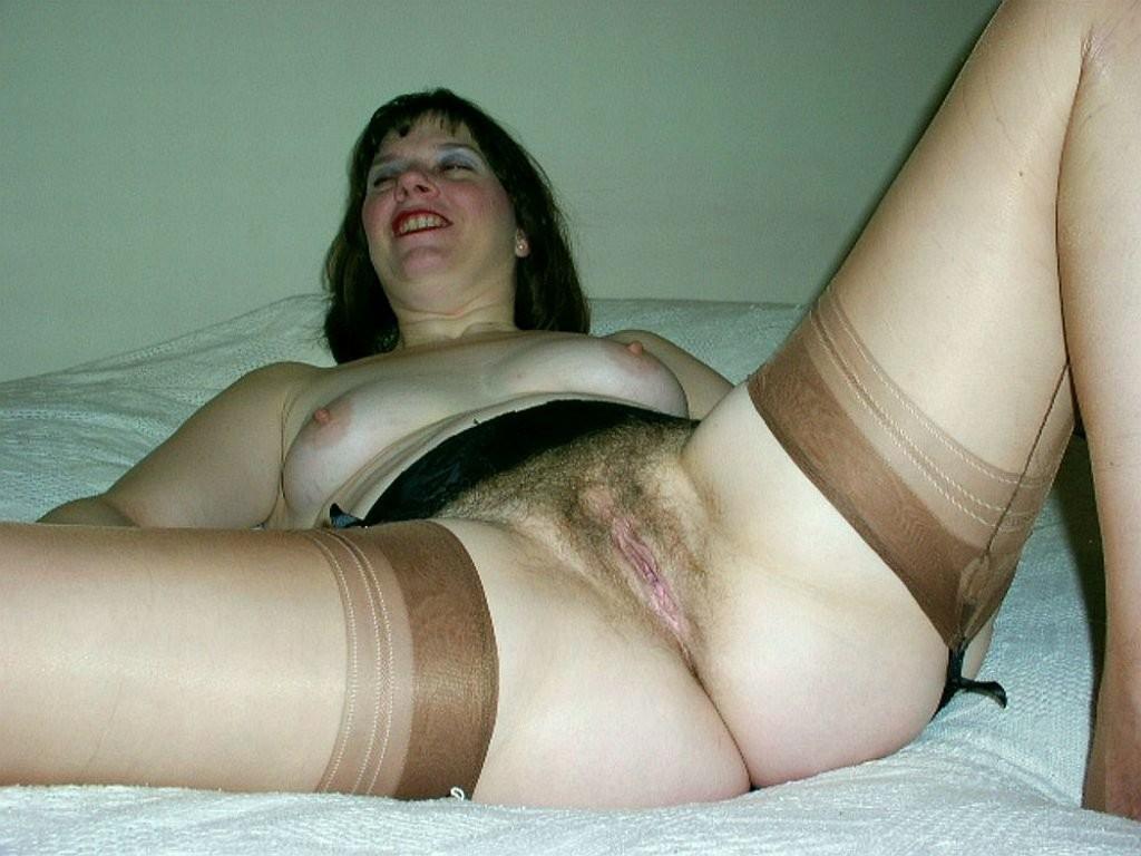 Сексуальные зрелые женщины в чулках - компиляция 17