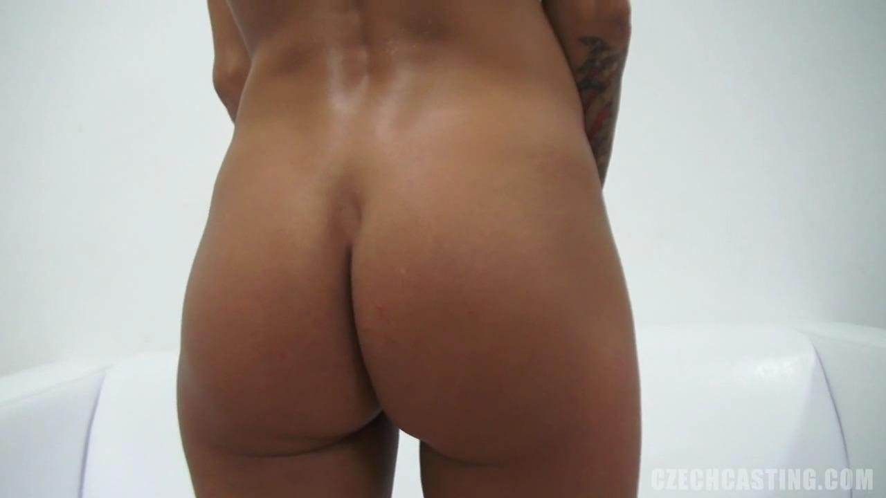 Чешская проститутка Адела пытается показать себя на кастинге с хорошей стороны