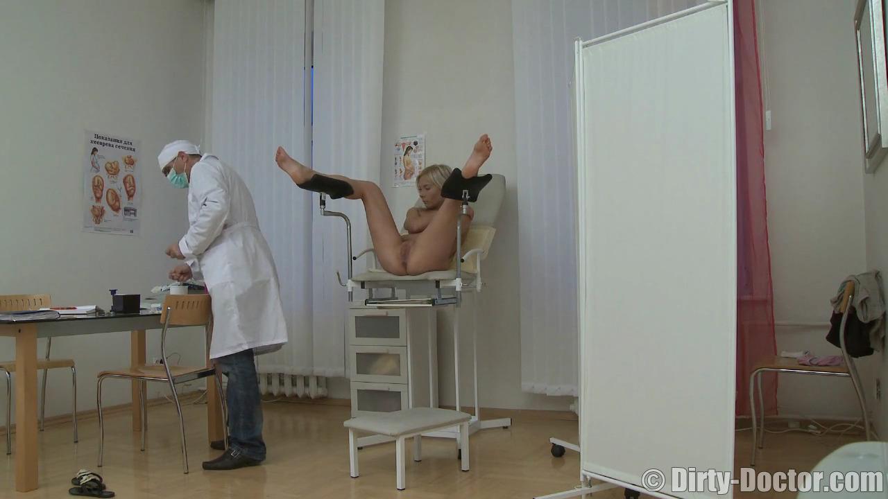 Анал в гинекологии с молодой блондинкой