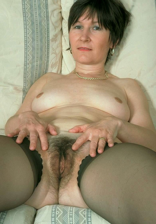 Волосатые лобки зрелых женщин-порно фото
