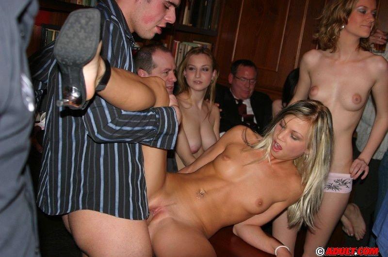 Порно Молодые Красивые На Вечеринки